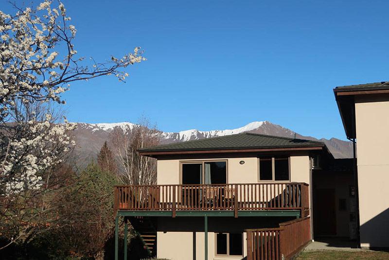 The Apartment - Wanaka Accommodation at Black Peak View